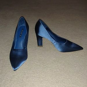 NWOT Zara Satin Blue Court Heels